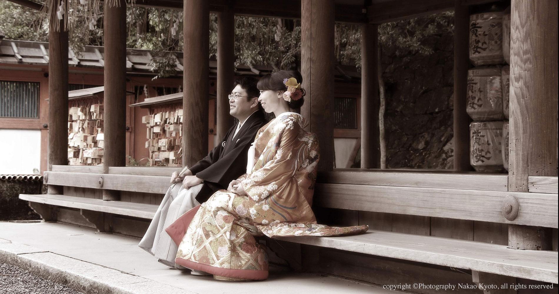 結婚写真 紋服と色打掛姿の新郎新婦様
